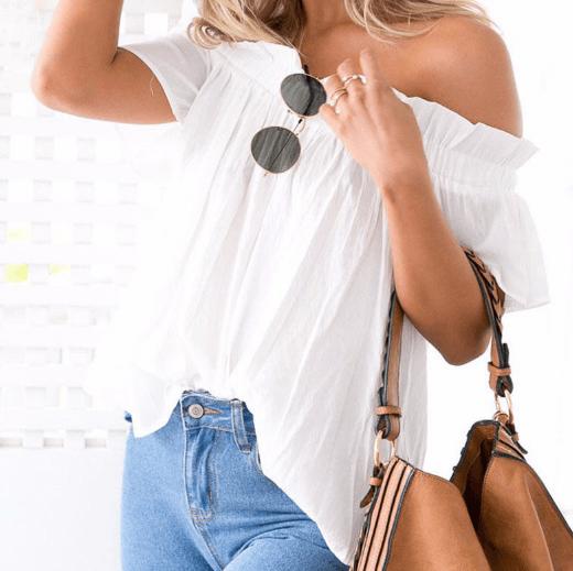 Белая блуза с открытыми плечами ~ за 674 руб.
