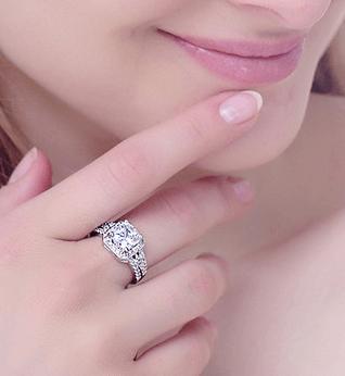 Кольцо ~ за 132 руб.
