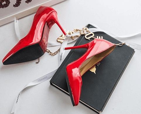 Красные лаковые туфли ~ за 800 руб.