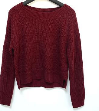 Бордовый свитер ~ за 893 руб.