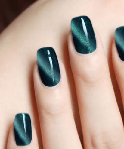 Гель-лак для ногтей ~ за 200 руб.
