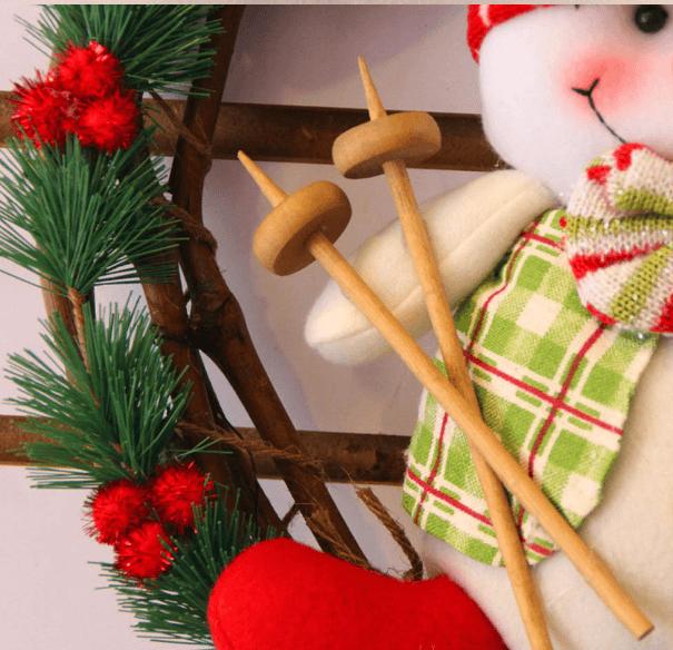 Рождественский венок с игрушкой ~ 423 руб