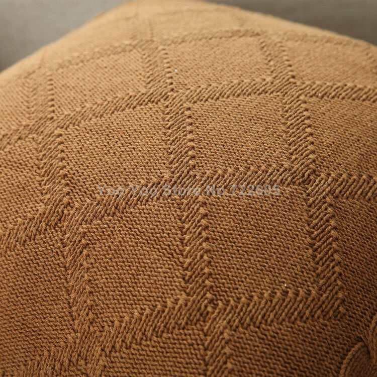 Вязанные подушки с косами ~ 1000 руб