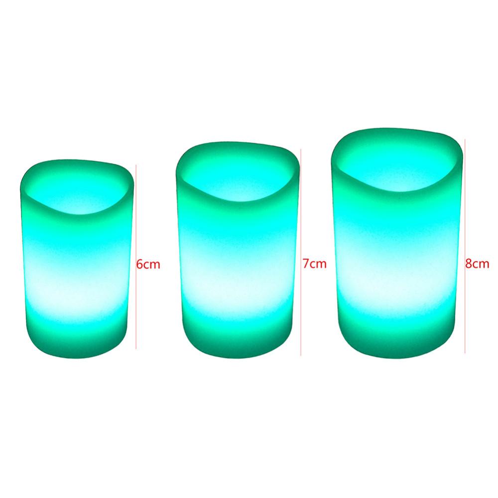 Комплект из трех цветных свечей ~ 640 руб
