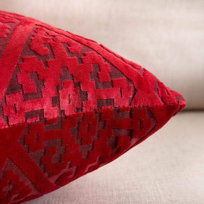 Бархатные подушки с орнаментом ~ 330 руб
