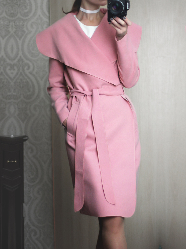 Пальто в запахнутом виде