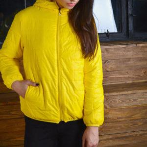 Осенне-весенняя желтая курточка с Aliexpress за 800 рублей