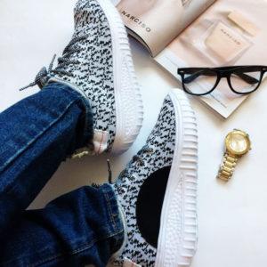 Серые кроссовки с Aliexpress за 1250 рублей
