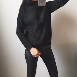 Классический черный свитер с Aliexpress за 1650 рублей