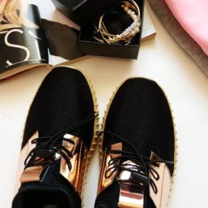 Копия знаменитых кроссовок Adidas с Aliexpress за 1000 рублей