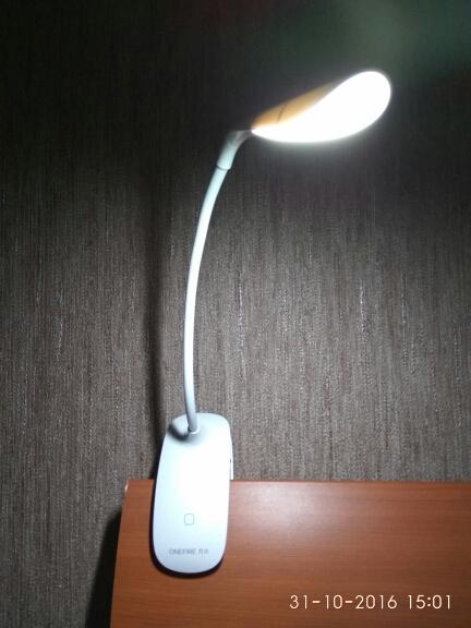 Портативная светодиодная настольная лампа ~ 600 руб