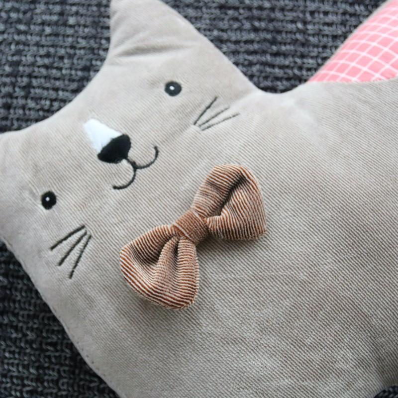 Подушка валик «Маленькая кошка» ~ 800 руб