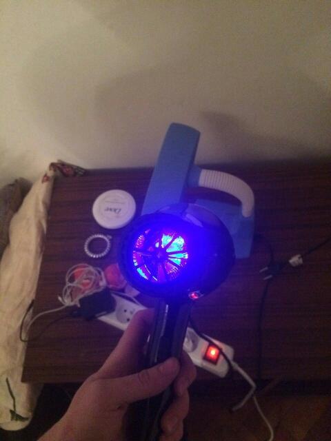 Популярный фен для домашнего использования ~ 1500 руб