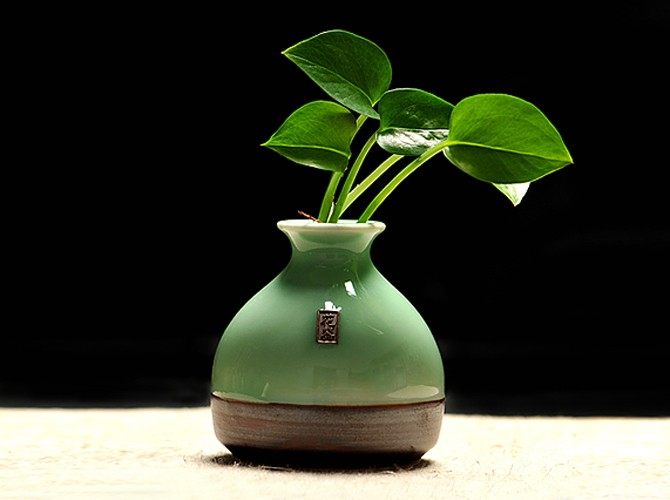 Фарфоровая ваза в ретро стиле ~ 450 руб