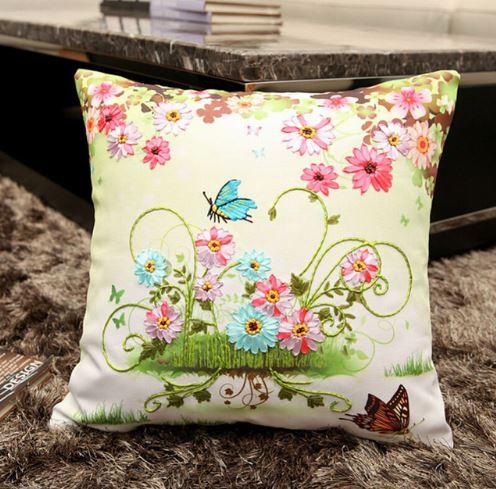 Нежная подушка с бабочками ~ 600 руб
