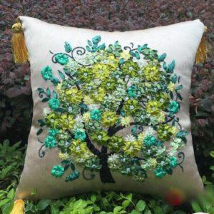 Наборы для вышивки лентами подушек
